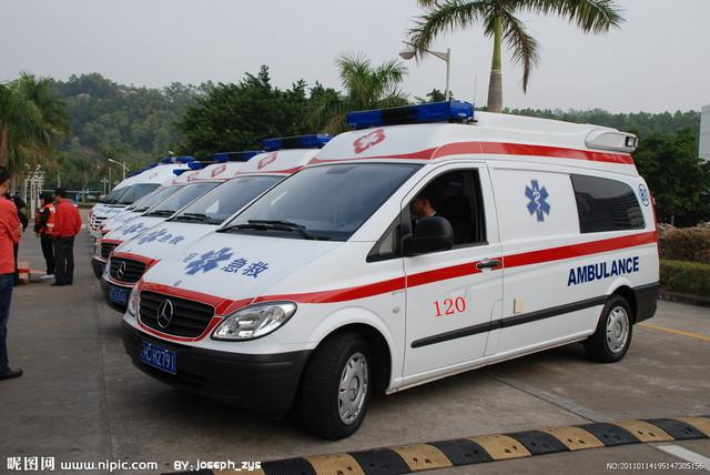 近期,随着浙江省温州市急救中心违规派遣救护车转运病人并收取提成的事件被曝光,全国各地陆续开展了打击黑120等非法运营活动,太原市也不例外。6月18日,太原市卫生局、太原市公安局交警支队联合召开了加强急救车辆管理工作会议,要通过开展120急救车的集中整治工作,重点清理整顿违规开展120急救的车辆,确保省城120真正成为群众的生命之光和救命通道。  宽500x334高  显示比例:100%